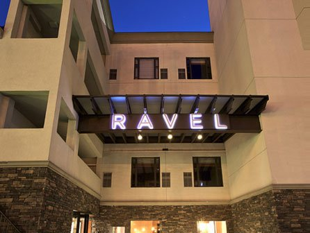 Ravel Hotel / Penthouse 808 Restaurant & Lounge
